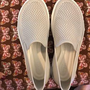 Crocs gray size 7